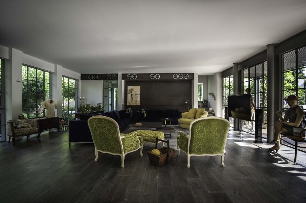 חיפוי קיר בפח חלוד דמוי קורטן מבט מהסלון - ארטפרו בית בסביון