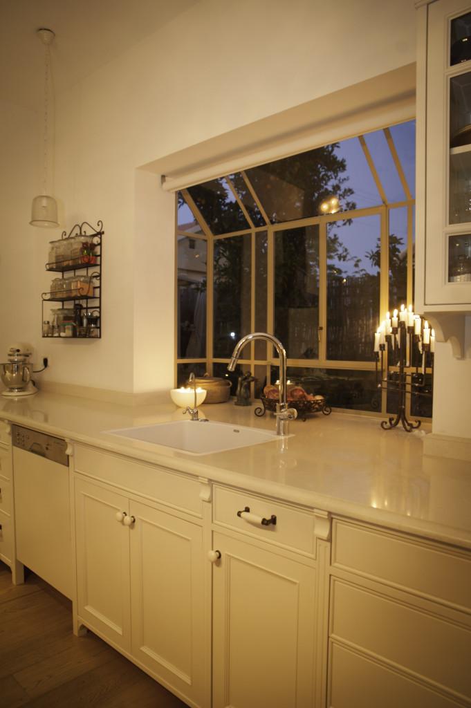 חלון bay במטבח – ארטפרו בית עדי