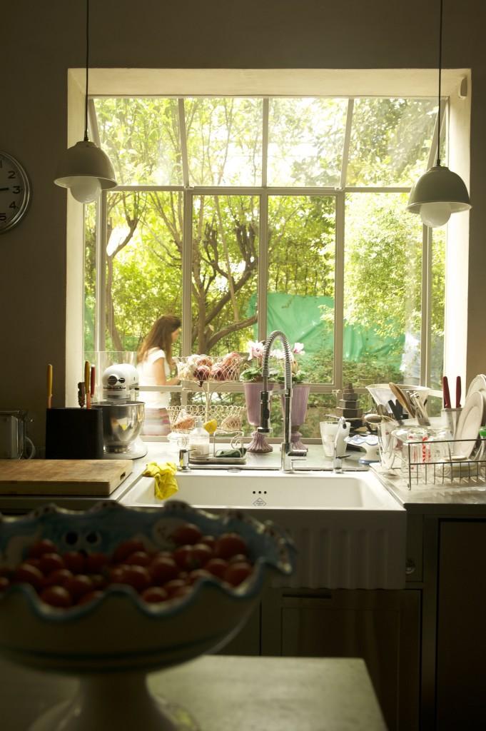 חלון מטבח, חלון bay, מפרופיל בלגי – ארטפרו חלונות בלגיים בתל אביב