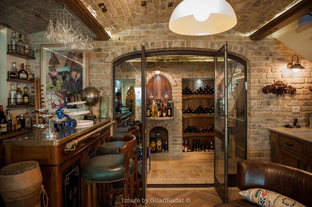 ויטרינה לחדר היין – פרוייקט אחוזה ביישובי גדרות - ארטפרו