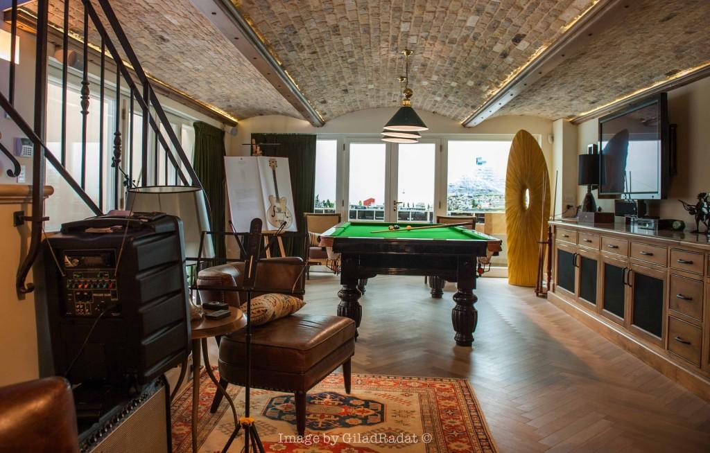 מעקה בירידה למרתף – פרוייקט אחוזה ביישובי גדרות - ארטפרו