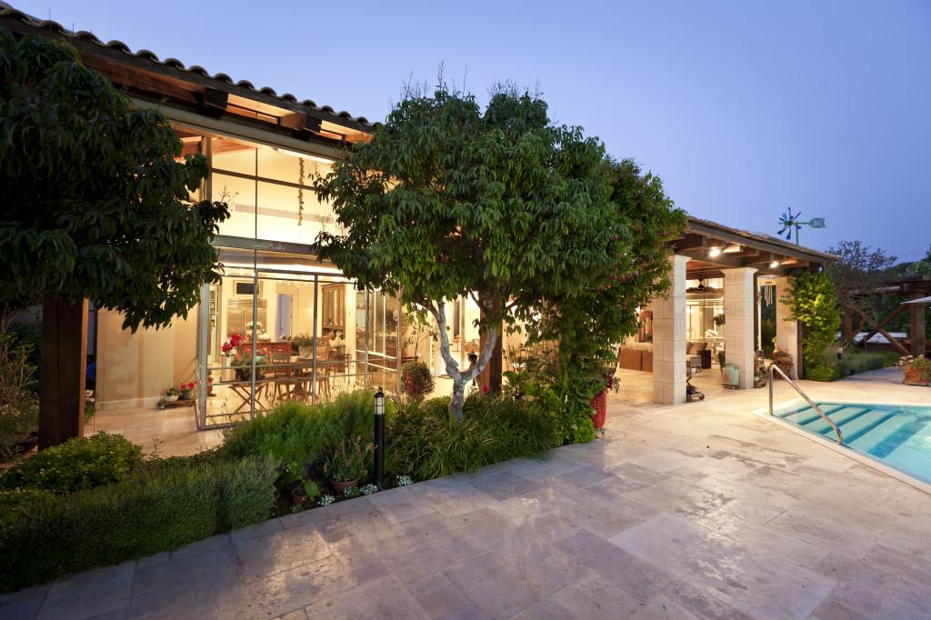 האחוזה בשעות הערביים, חדרי השמש מוארים – פרוייקט אחוזה ביישובי גדרות - ארטפרו