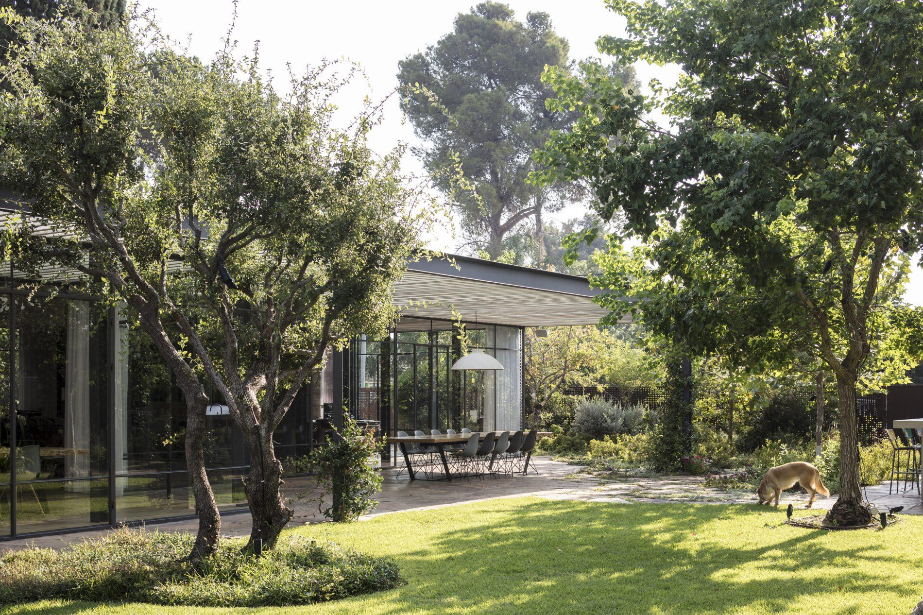 בית טובל בגן - בית הזכוכית