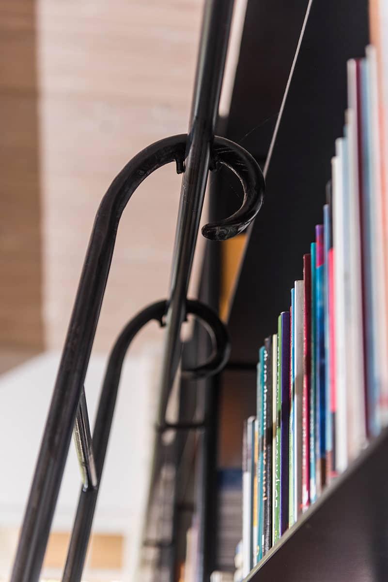 סולם הספריה – פרט   ארטפרו