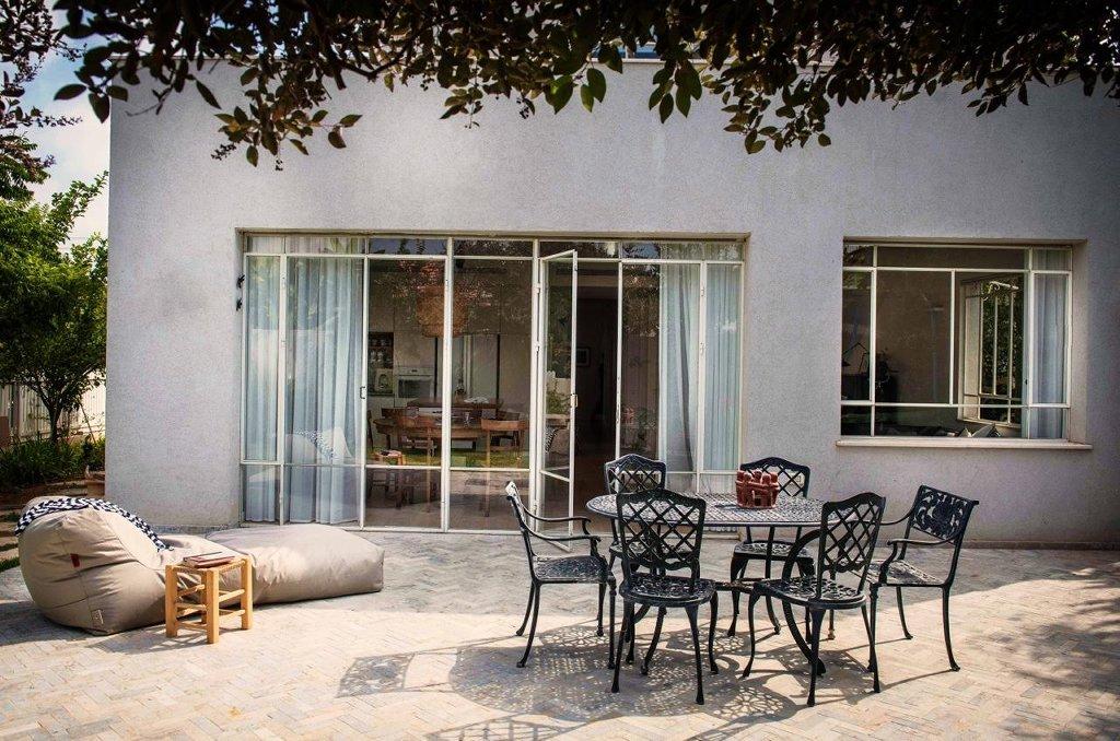 ויטרינה וחלון פרופיל בלגי – אורית דרום אדריכלית