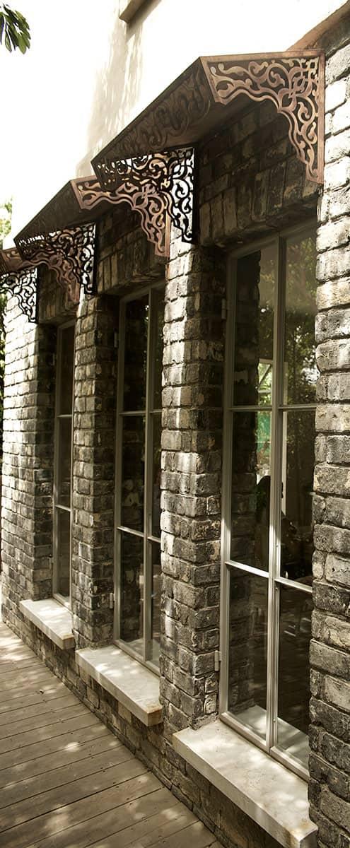 שלישיית ״אומברזו״ (עושה צל באיטלקית) מצלים על חלונות דרומיים מפרופיל בלגי - ארטפרו