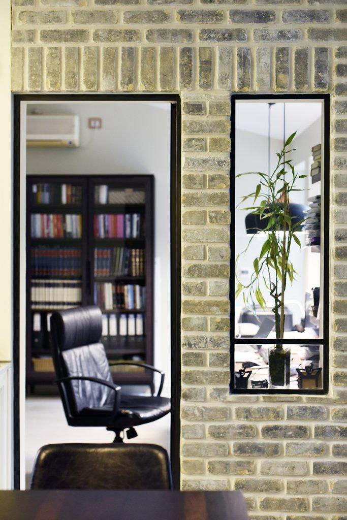 דלת וחלון למשרד מפרופיל בלגי שחור - ארטפרו